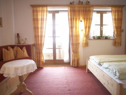 Schlafraum-Ferienwohnung-Schliersee